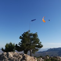 Paraglider macht Wingover