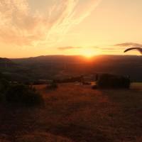 Soaring bis zum Sonnenuntergang am Startplatz Brunas in Millau