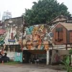 grafitti an altem gebäude in der innenstadt von kuala lumpur