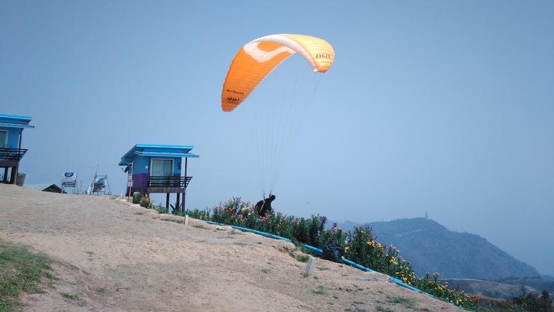 Lom Sak – Fliegen vom Phu Thap Boek